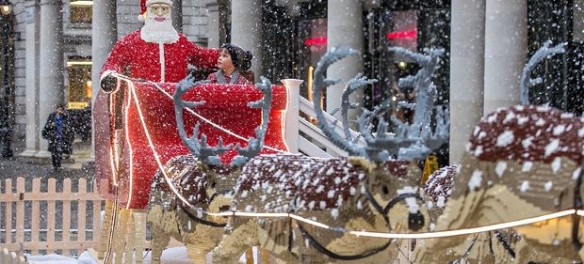 The Lego sleigh in Covent Garden, built by Duncan Titmarsh.